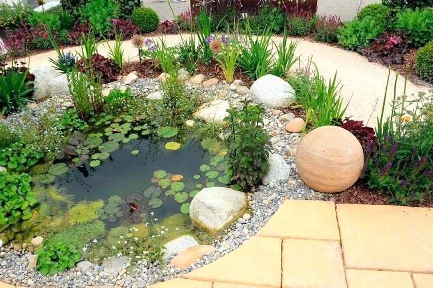 Natural Stones Decor Ideas for a Garden